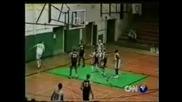 Ненормален Кош В Баскетбола (Гледайте го просто това никой неможе да го направи втори път)