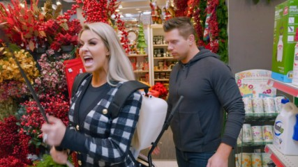 "Miz & Maryse ""dork out"" while preparing to terminate weeds: Miz & Mrs. Bonus, Aug. 13, 2019"