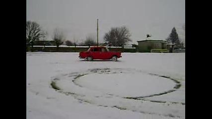 Москвич 2140 - Малко Пързаляне На Сняг 2
