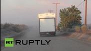 USA: Families flee as wildfire rips through California