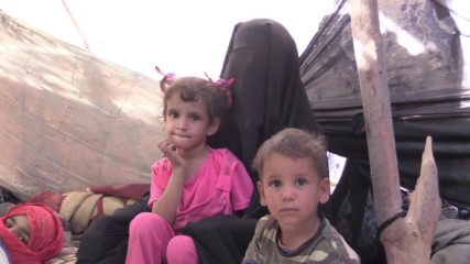 Iraq: Mosul residents flee besieged city for shelter in Syria