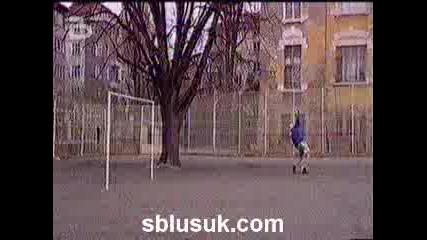 Боби Турбото - Футбол