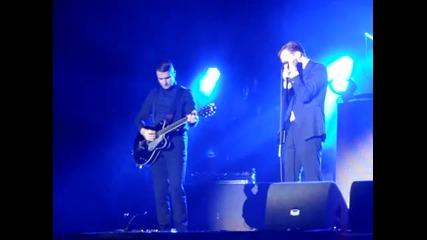 Нова песен на Hurts - Under the Bridge (live @ Sziget 2012) + Превод!