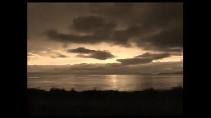 Красива гръцка приспивна песен с превод - Vlefaro mou - Ahdonidhs Xronhs