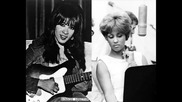 Ronnie Spector & Darlene Love - Rocking Around The Christmas Tree