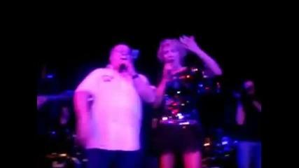 Lepa Brena i Halid Beslic - Cudna jada od Mostara grada - (Live) - (Paris 2012)