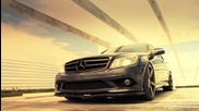 Стилен Mercedes Benz C300 с джанти Vossen
