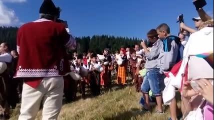 България е жива ! Гайдарите на съборът в Рожен !