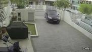 Крадец се опитва да открадне чанта на жена!