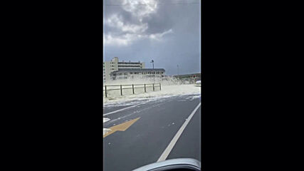 South Africa: Sea foam and heavy winds create 'snowy' scene in Cape Town