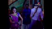 Джагдиш и Ананди танцуват в Ритъмът на мечтите