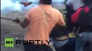 Еквадор: Възникнаха сблъсъци с полицията след като 10 000 протестиращи блокираха град Кито
