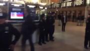 USA: Hundreds occupy Central Station, Bank of America to protest Dakota pipeline