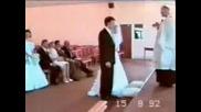 Компилация С Припадащи Младоженци!