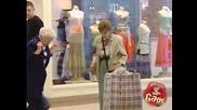 Смях ! Плюшена играчка напада хора в магазин ! Скрита камера !