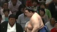 Аоияма с четвърта победа този път срещу Тойохибики / Аки Башо 24.9.2013