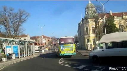 Аварийният Даф изтегля аварирала Сетра S 215 Hd от автогара Юг в Бургас