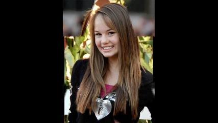 Bridgit Mendler или Debby Ryan