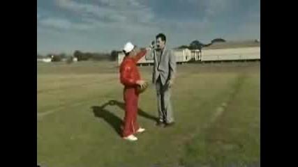 Borat Играе Футбол