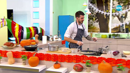 """Рецептата днес:Овнешки гювеч в тиква, бутер банички с ябълки и ванилов крем - """"На кафе"""" (26.10.2020)"""