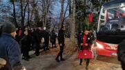 Феновете на ЦСКА посрещат любимците си преди мача с ЦСКА 1948