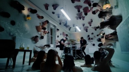 Royal Blood - Lights Out (Оfficial video)