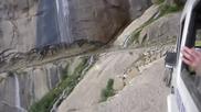 С бус в Хималайте