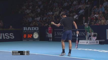 Федерер улавя топката като с магнит