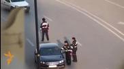 Азерски катаджии рекетират шофьори на пътя!