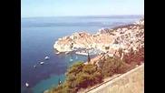 Панорамна гледка на Дубровник и остров Локрум