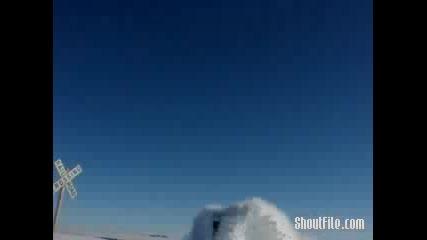 Влак Минава През Много Сняг