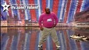 Великобритания търси талант !! Antonio Popeye показва Странен талант...