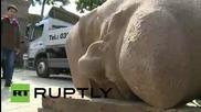 Германия: Глава от статуя на Ленин на изложба в Берлин