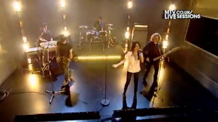 Tell Me Something I Don't Know (mtv Session) Live Session Video (mtv Uk)