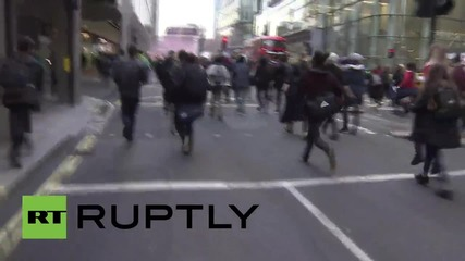 UK: Clashes erupt as student protest turns violent in London