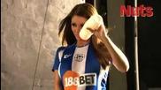 Секси фотосесия на футболна тематика