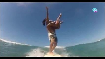Страхотно изпълнение на тандем сърфинг