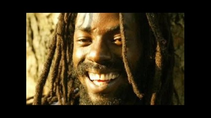buju banton - love how the gal dem flex
