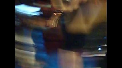 Камелия на живо в конкурса Мис Аугуста .. Монатана , басейн Аугуста