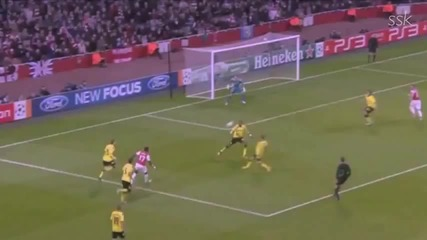 Brilliant Assist by Alex Song Against Dortmund !!