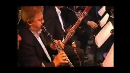 Видеото е публикувано от Musicbox Scorpions Still Loving You Filarmonica De Berlin 1264714053542 828