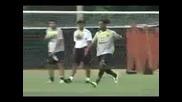 Роналдиньо Отново Показва Че Е Крал На Футбола!