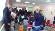 Шведски министър се срещна с ромски деца в София