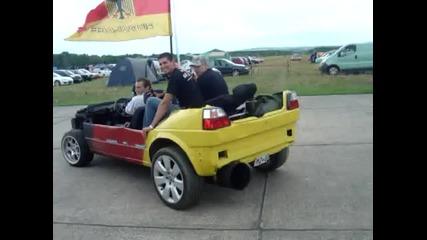 Виждали ли сте някога такава кола ..