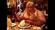 Супер дебела жена - отврат