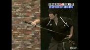 Самурай играе бейзбол