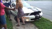 Kакво се случва, когато идиот се качи на мощна кола!