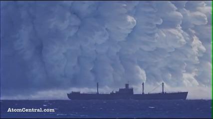 Голяма атомна бомба експлодира под морето