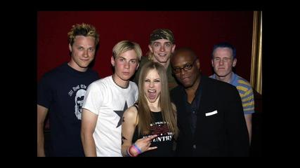 New 2011 Avril Lavigne - Smile (full Hq)