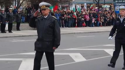 Тържествен военен ритуал в центъра на Варна